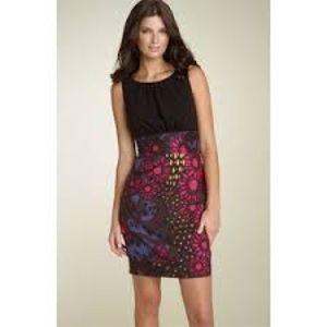Trina Turk Rory dress black top floral skirt sz 6